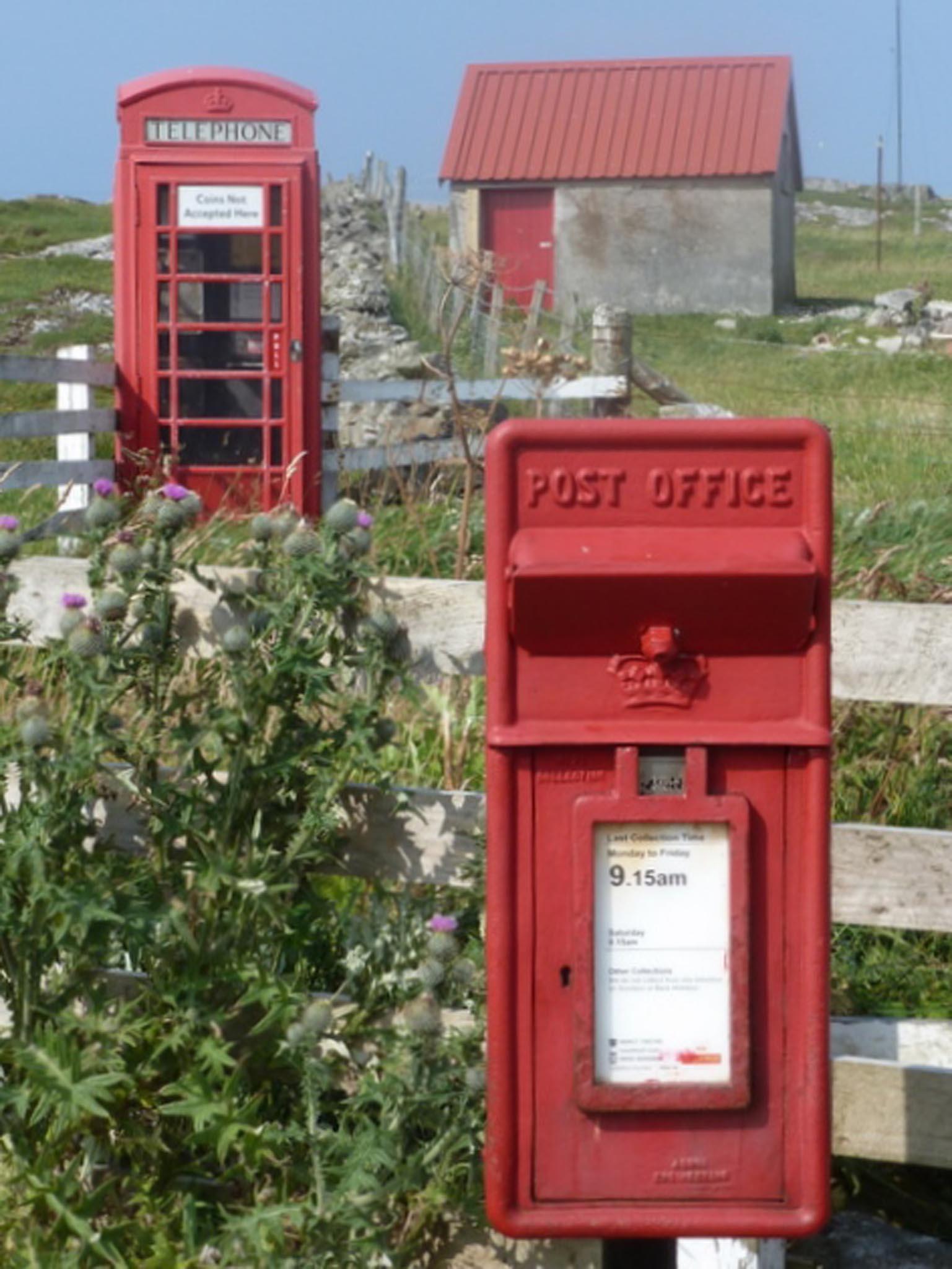 ER/Scottish Crown lamp box, 1980s, Highlands & Islands. Chris Downer