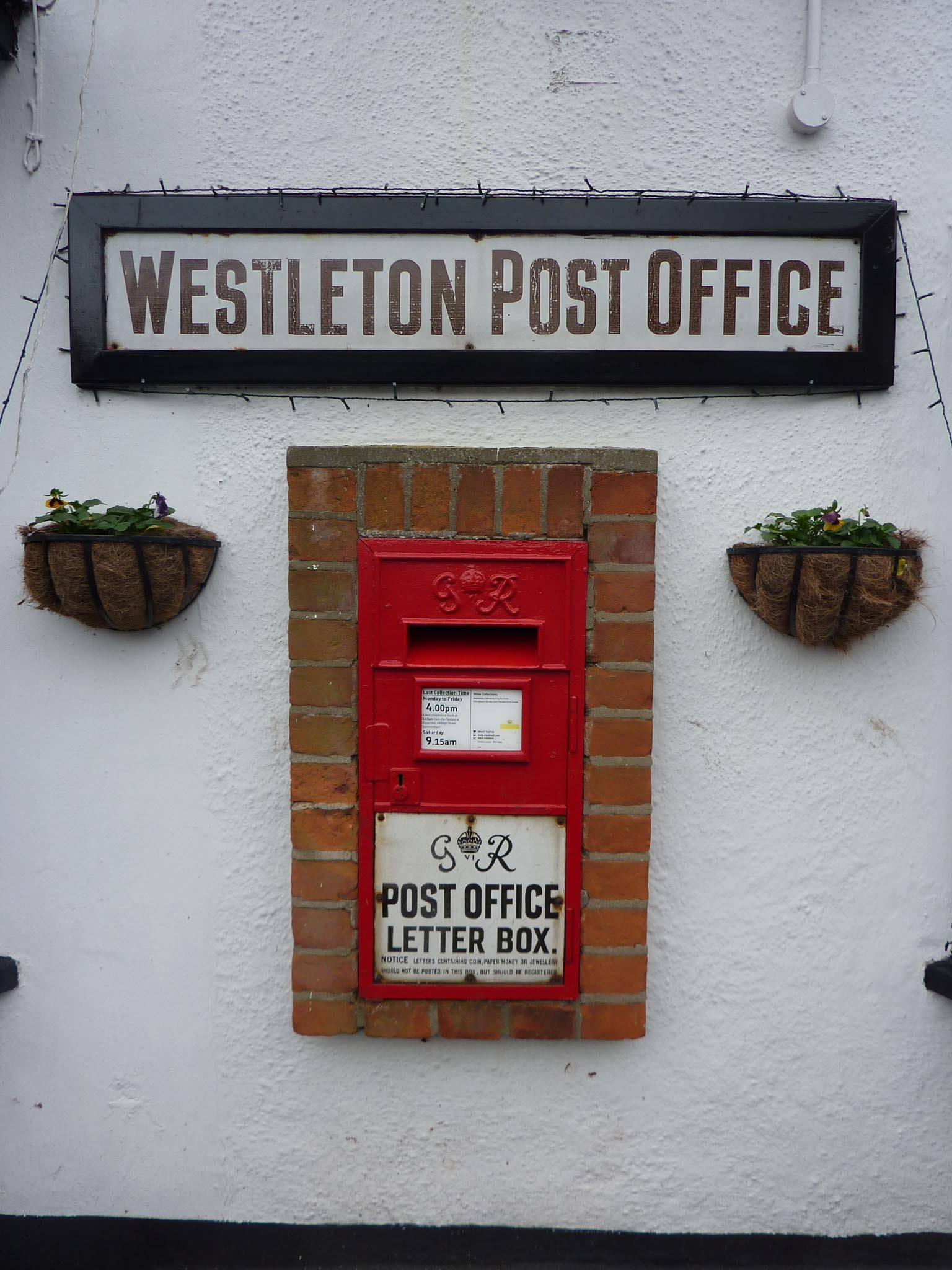 G6R Ludlow wall box, 1930s, Suffolk. Andrew R Young