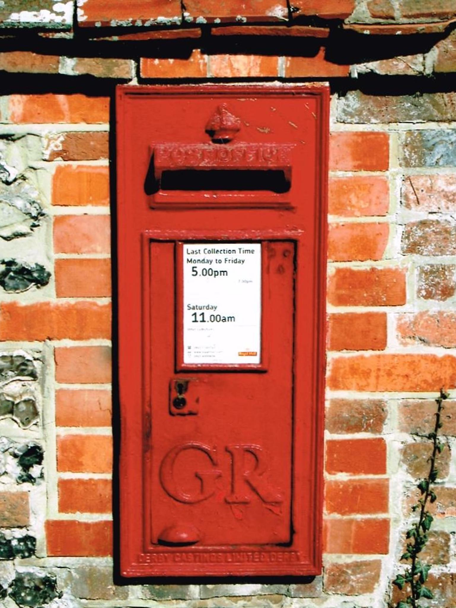 GR wall box 1930s, South England. Simon Vaughan Winter